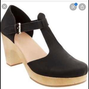 Old Navy wedge clogs